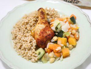 שוק עוף, פתיתים, ולקט ירקות מבושלים ללא גלוטן