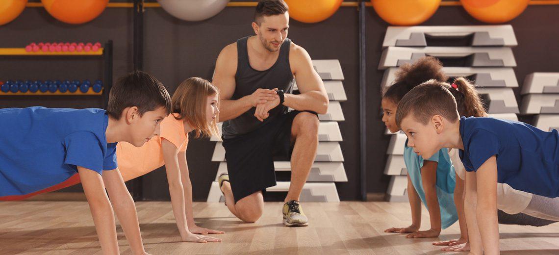 ילדים בחימום לפני אימון גופני